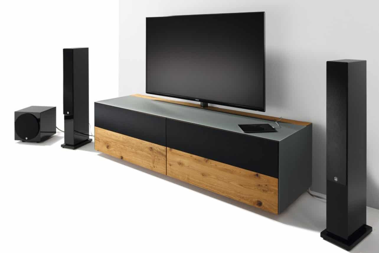 Cubus Pure Home Entertainment Möbel in Eiche für Flachbildschirm.