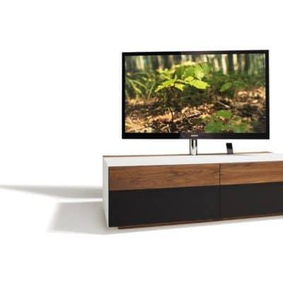 Fernsehmöbel Cubus Pure in Nussbaum mit Lautsprecherklappe Akustikstoff.